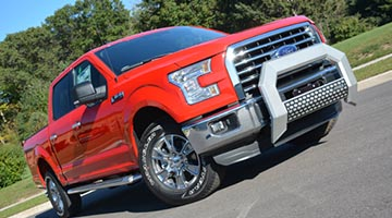 Aries 5.5 inch AdvantEdge bull bar on a Ford