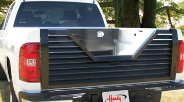 Handy 5th Wheel Tailgate on a pickup