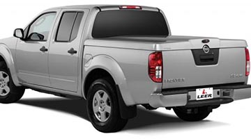 Leer 700 Series Cover on a Nissan Titan